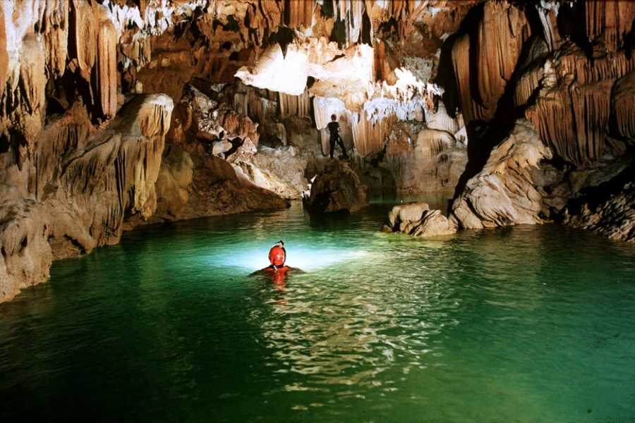 Vietnam 24h Tour Hue - Phong Nha Cave Full Day Private Tour
