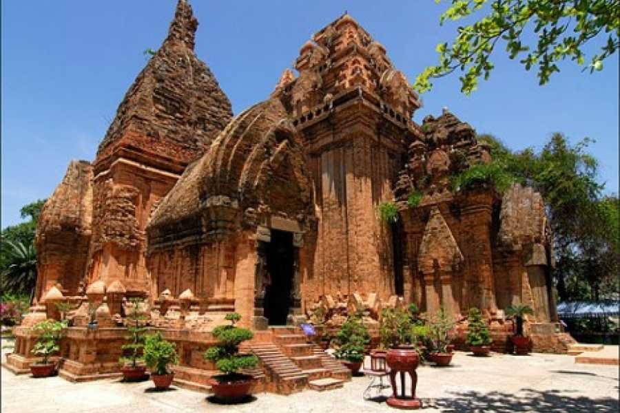 Vietnam 24h Tour My Son Holy Land Full Day Tour