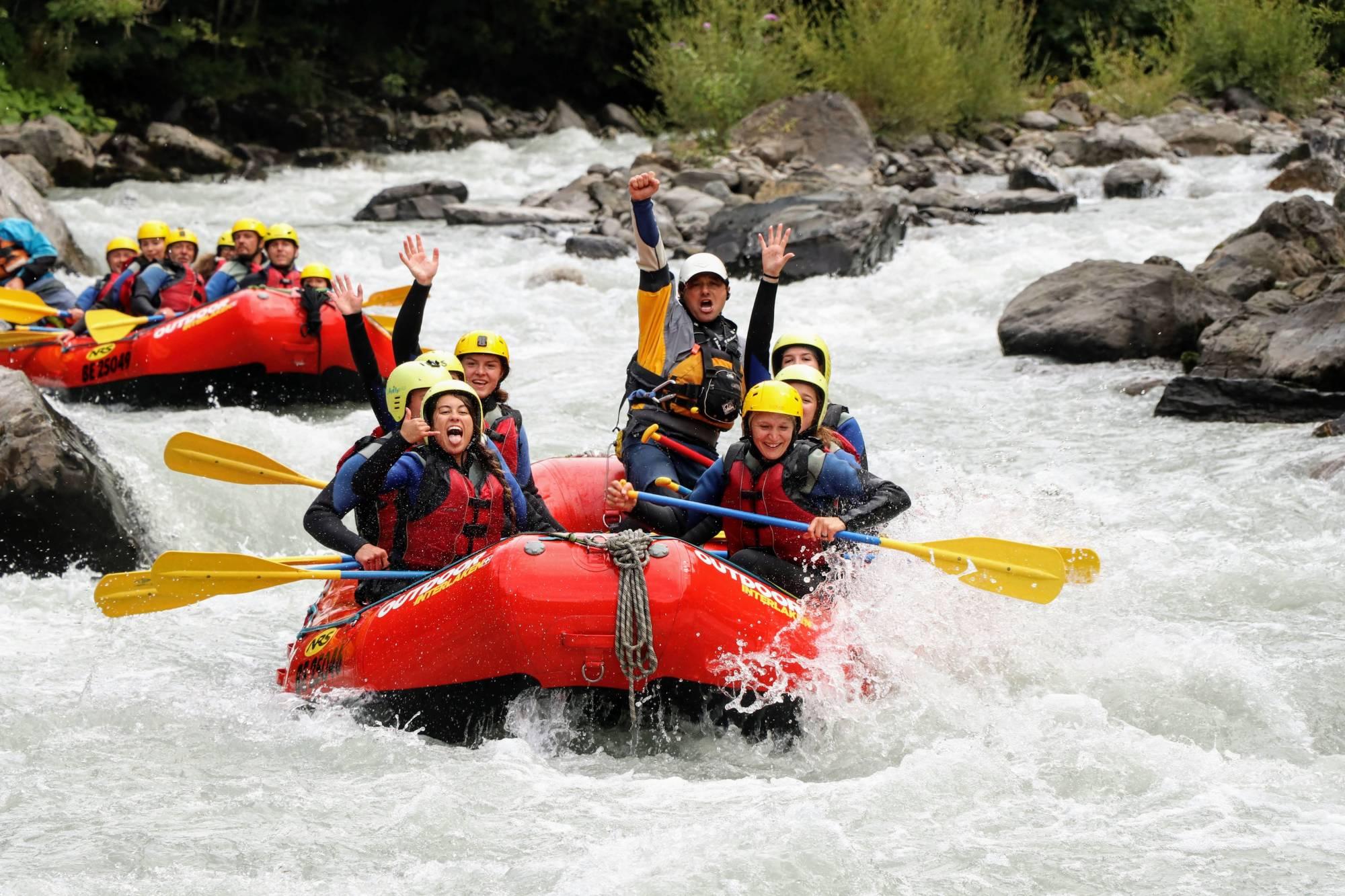 river rafting l tschine adventure park interlaken. Black Bedroom Furniture Sets. Home Design Ideas