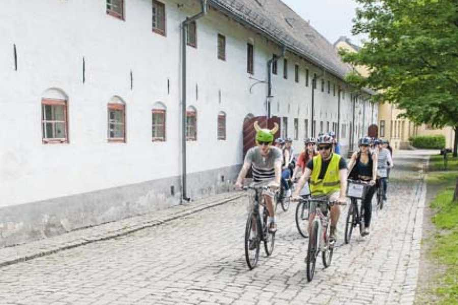 Viking Biking & Hiking Public Bike Tour: Oslo Highlights (May-Oct)