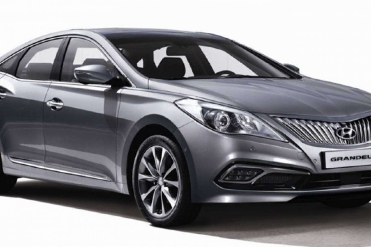 Kim's Travel Private transfer by sedan car