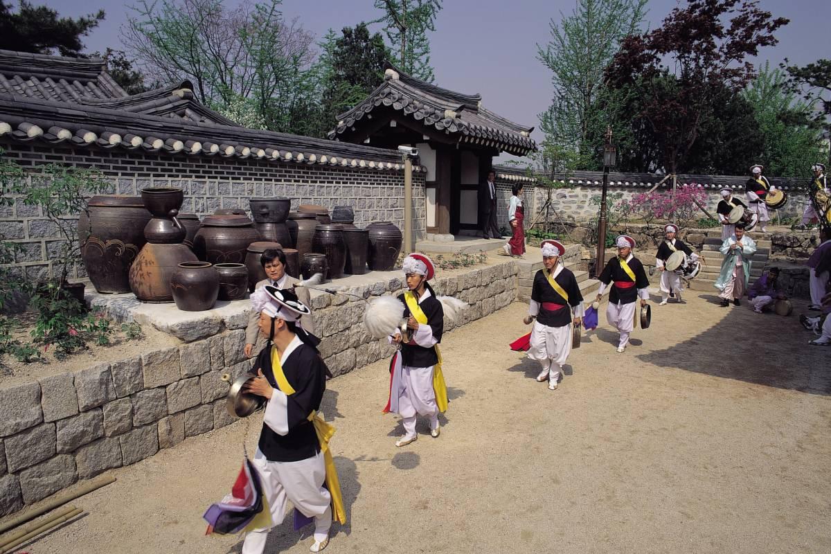Kim's Travel ASME Turbo Expo 2016 Guest Tour-Seoul N Tower and Namsan Hanok Village Tour