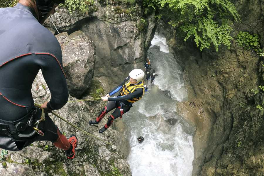 Outdoor Interlaken AG 因特拉肯峡谷溪降(Canyoning Interlaken)