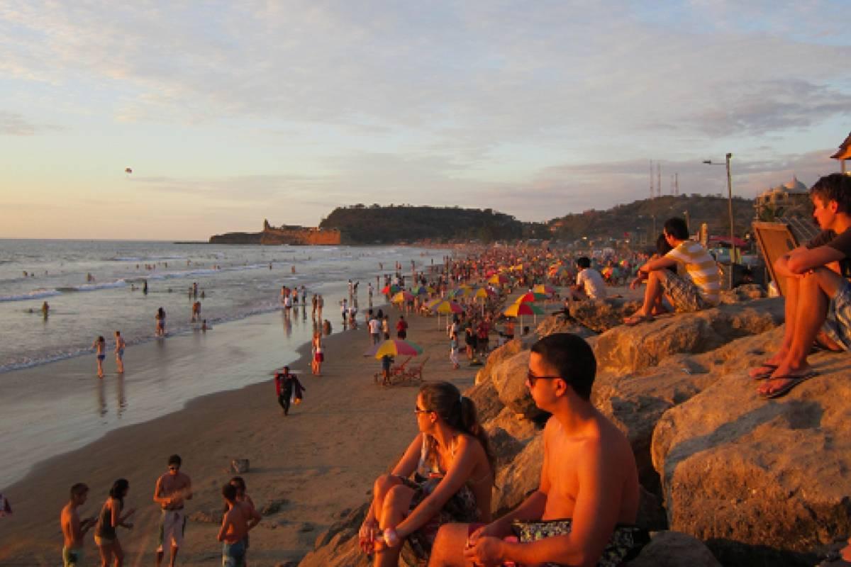 Go Montanita Ecuadorian National Holidays