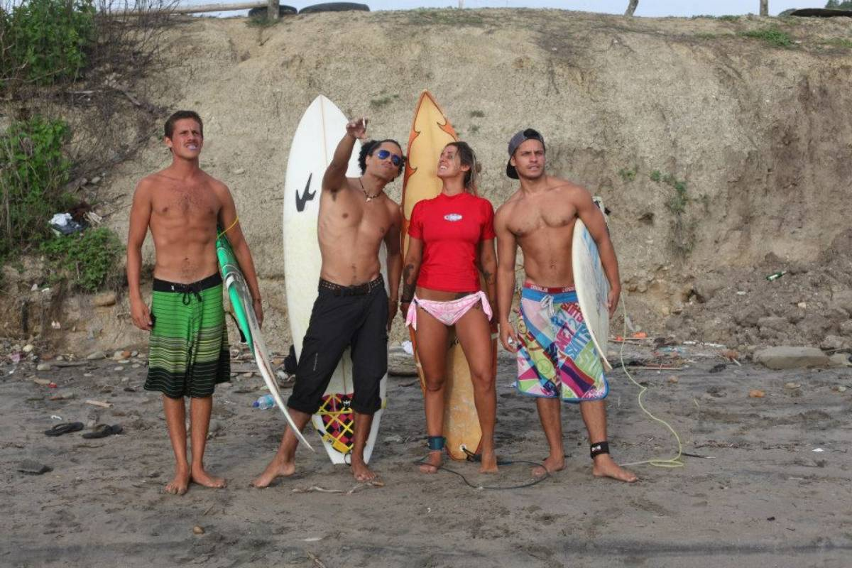 Go Montanita Advanced Surf classes