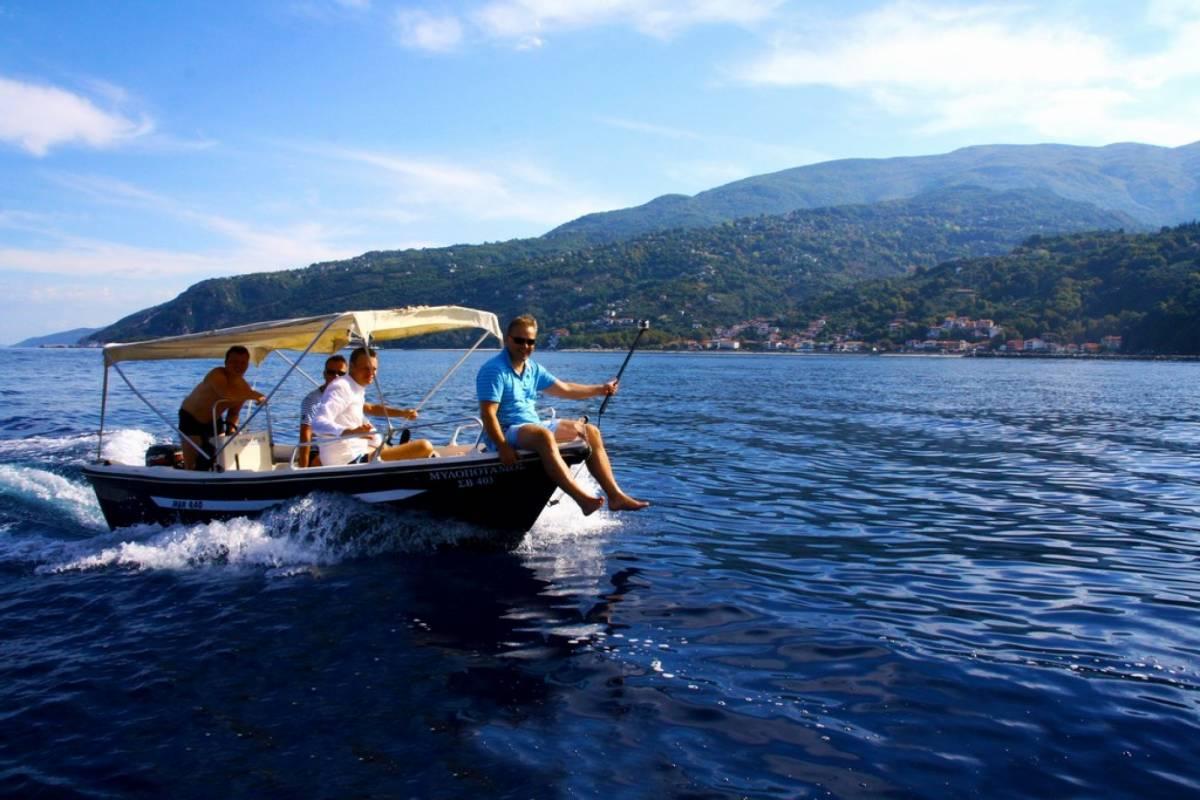 Les Hirondelles Ltd Rent a Boat