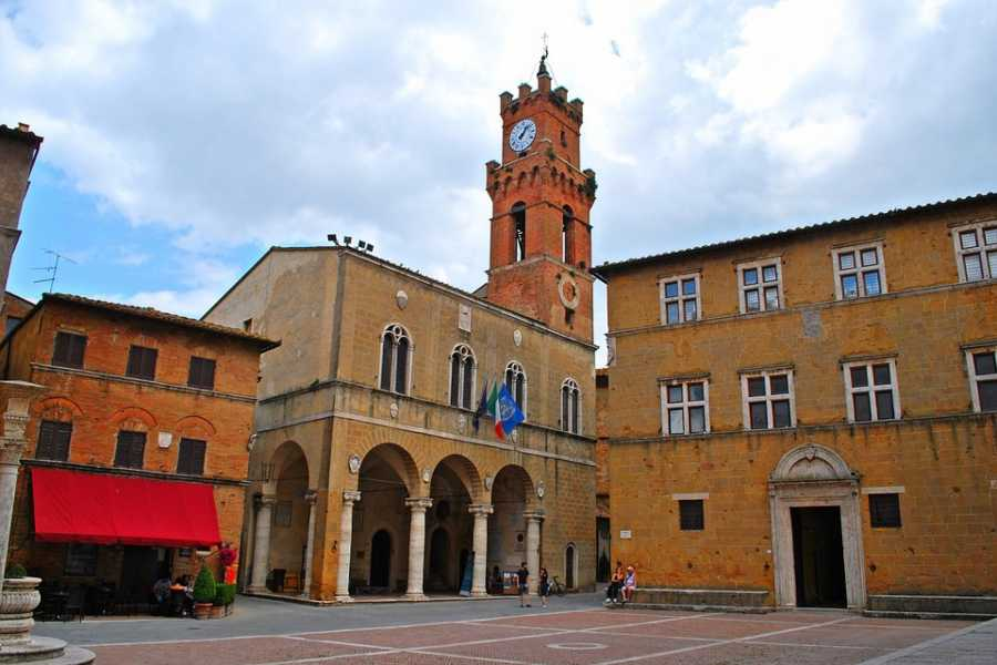 Tuscany Trotter MONTEPULCIANO, PIENZA AND MONTALCINO, A WINE AND CHEESE DAY