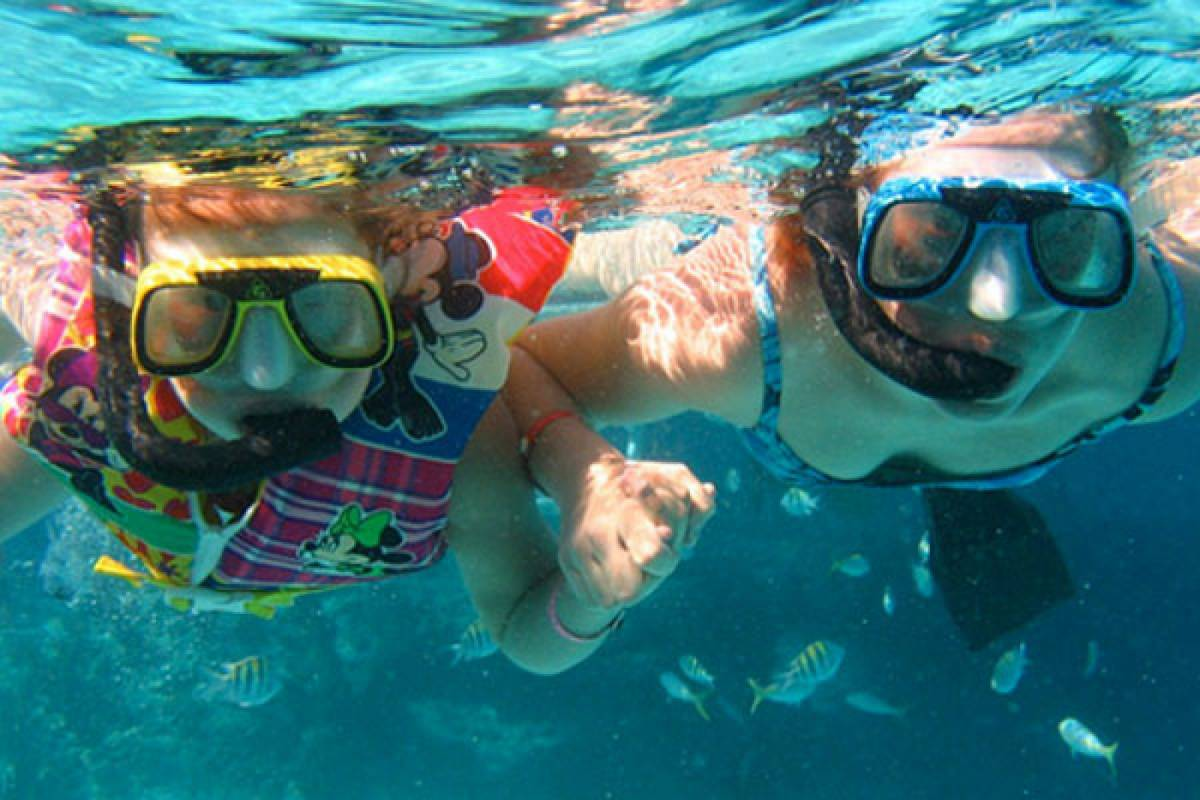 Kelly's Costa Rica Montezuma Tortuga Island Snorkeling & BBQ