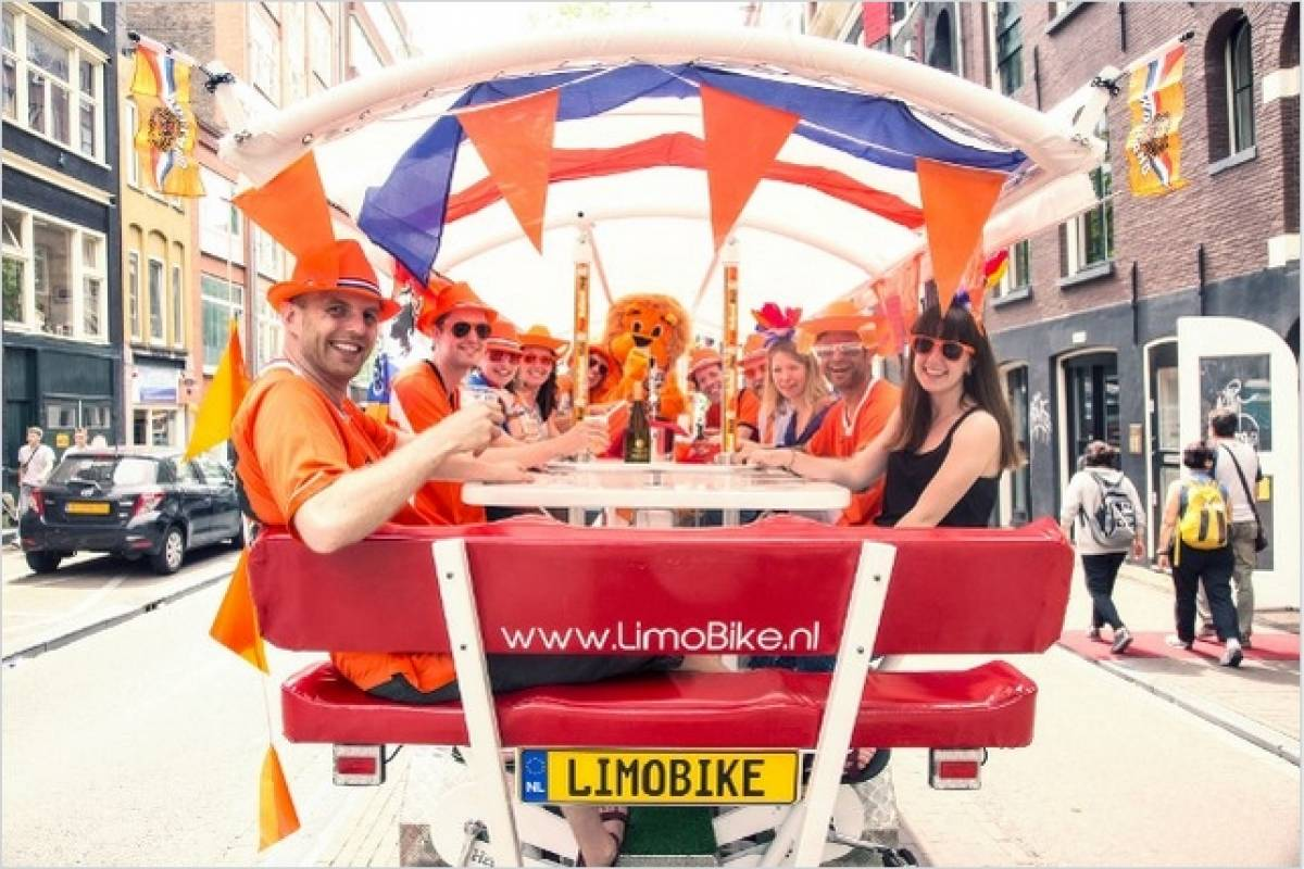 LimoEvents LimoBike Tour - World Famous PartyBike