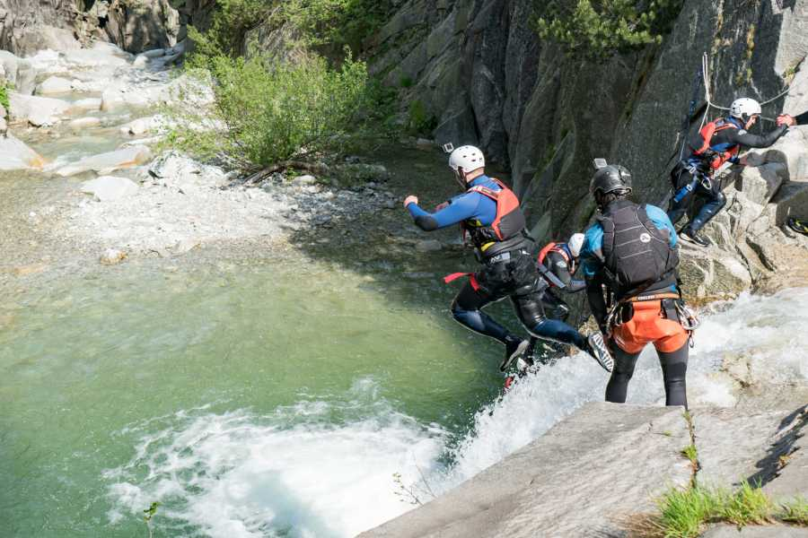 Outdoor Interlaken AG 峡谷溪降格里姆瑟尔(Canyoning Grimsel)