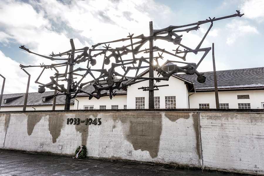 SANDEMANs NEW Munich Tours Tour al sitio conmemorativo de Dachau desde Múnich