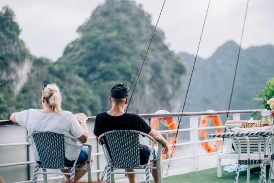 OCEAN TOURS LANHA BAY cruise one night
