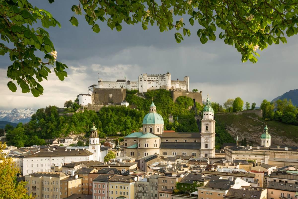 24/7/365 Travel Cesky Krumlov Salzburg Taxi