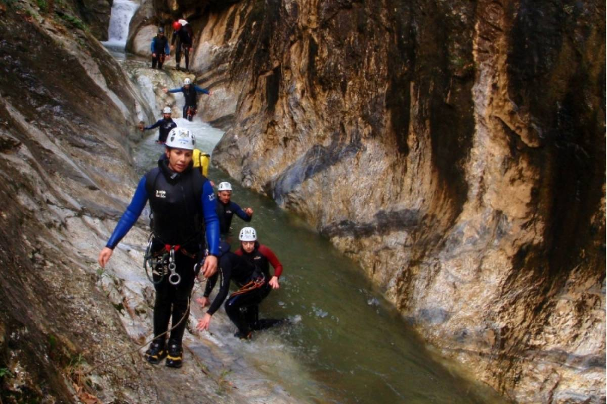"Les Hirondelles Ltd Milopotamos Canyon ""Sport"""