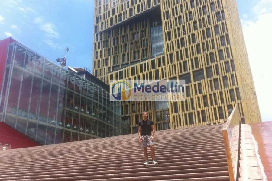 Medellin City Tours SUPER SAVER: Medellin City Tour + Paragliding + Food Tour