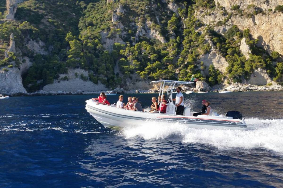 Travel etc Under 30's capri fun tour