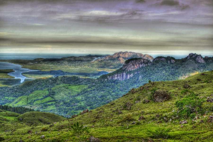 Panoramic Panama (HK02) Ocean to Ocean Hiking
