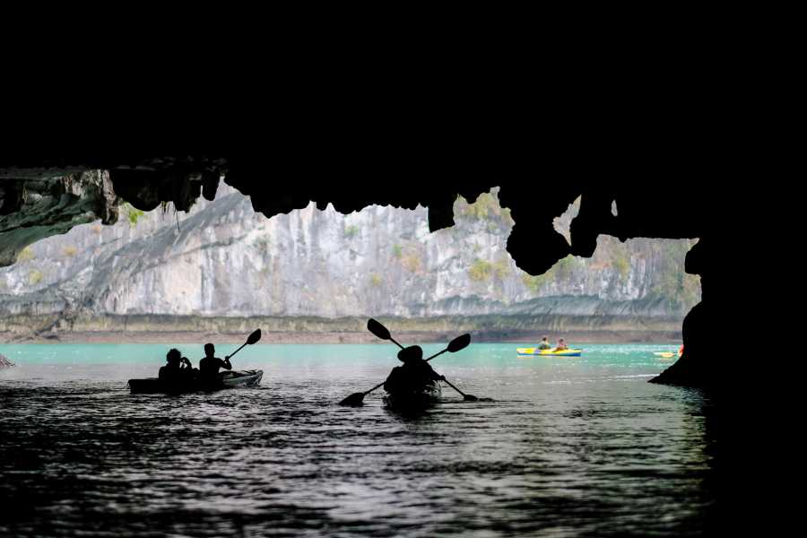 OCEAN TOURS HA LONG BAY ADVENTURE - HIBISCUS CRUISE 2D1N