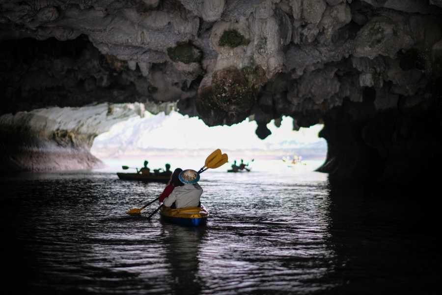 OCEAN TOURS HA LONG BAY ADVENTURE - HIBISCUS CRUISE 3D2N