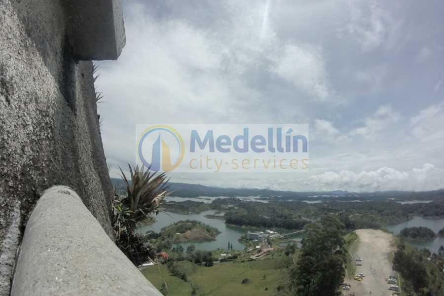 Medellin City Tours BoGo Tour: 	BOOK GUATAPE TOUR AND GET A FREE SIGHTSEEING TOUR