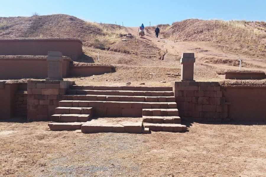 Turisbus Tiwanaku: Ancestral Mystery