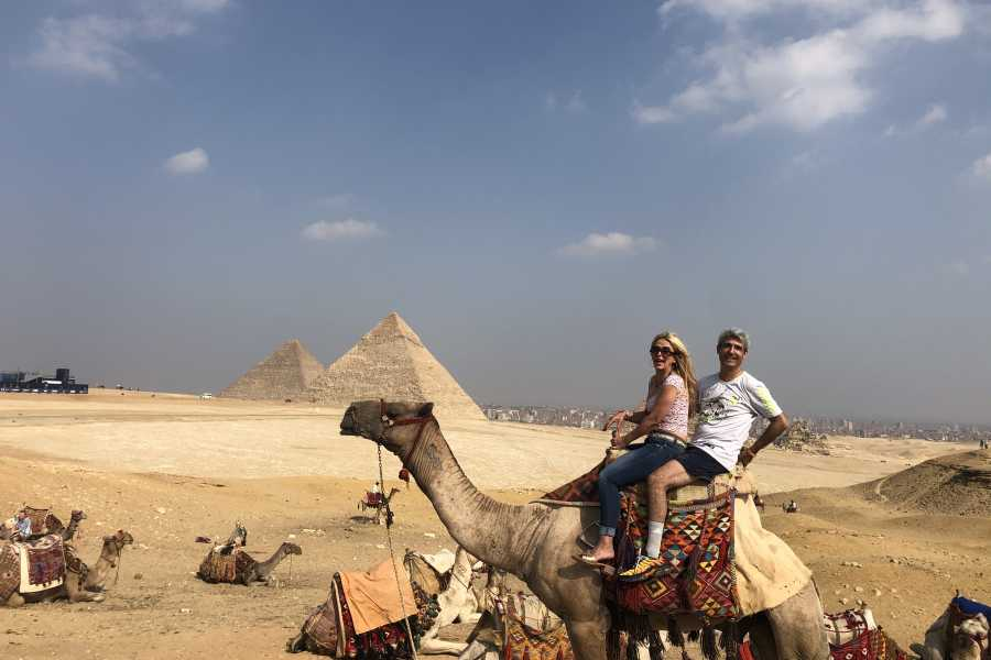 Deluxe Travel TOUR DELLE PIRAMIDE DI GIZA CON GITA IN CAMMELLO