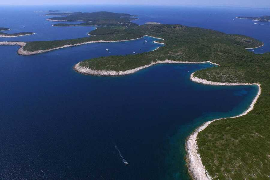 Sugaman Tours Private tour to Hvar and Pakleni Islands
