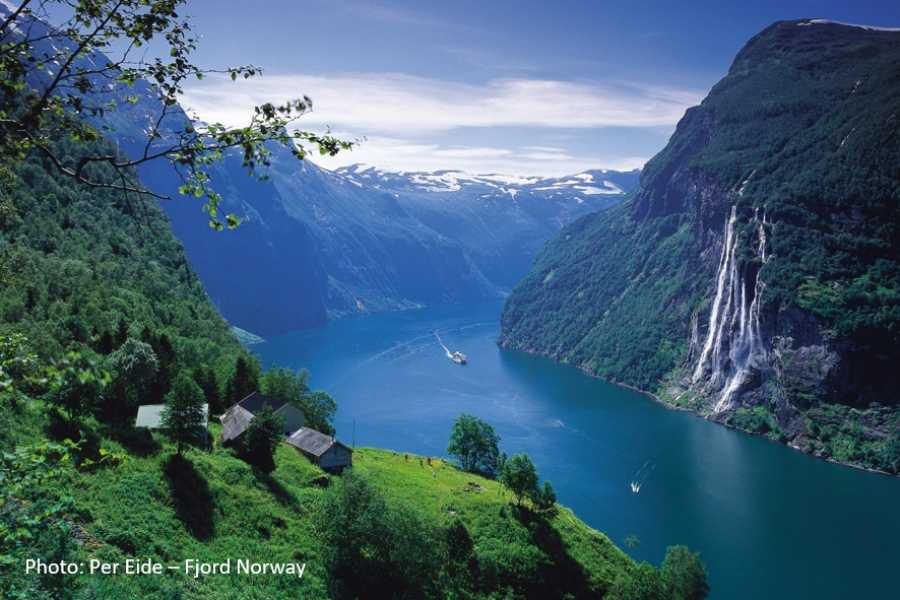 Travel like the locals (Møre og Romsdal) Hellesylt & UNESCO Geirangerfjord (one way)