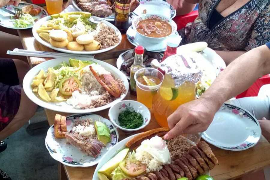 Medellin City Services BoGo Tour:  	BOOK GUATAPE TOUR AND GET A FREE FOOD TOUR