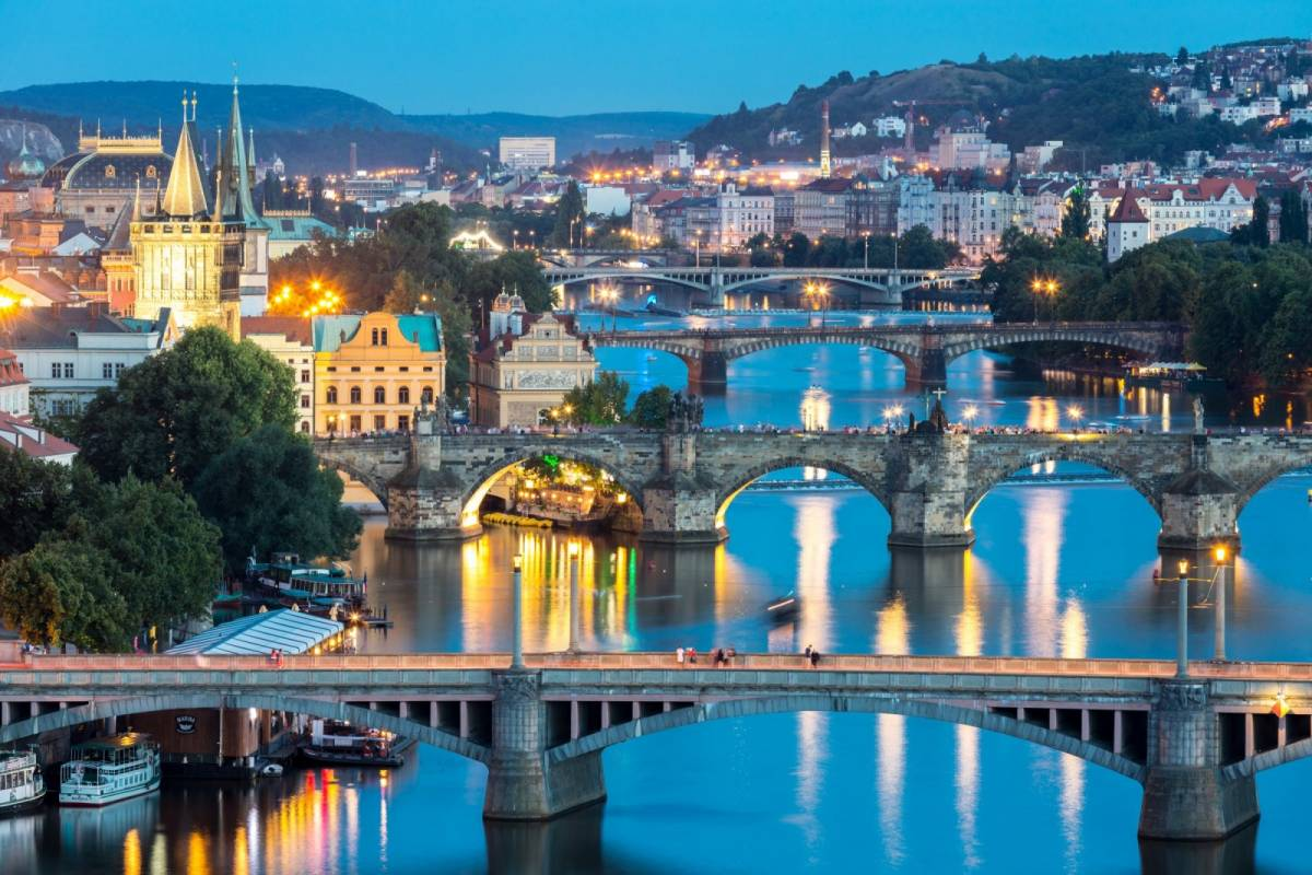 24/7/365 Travel Prague by car - 3 hours tour