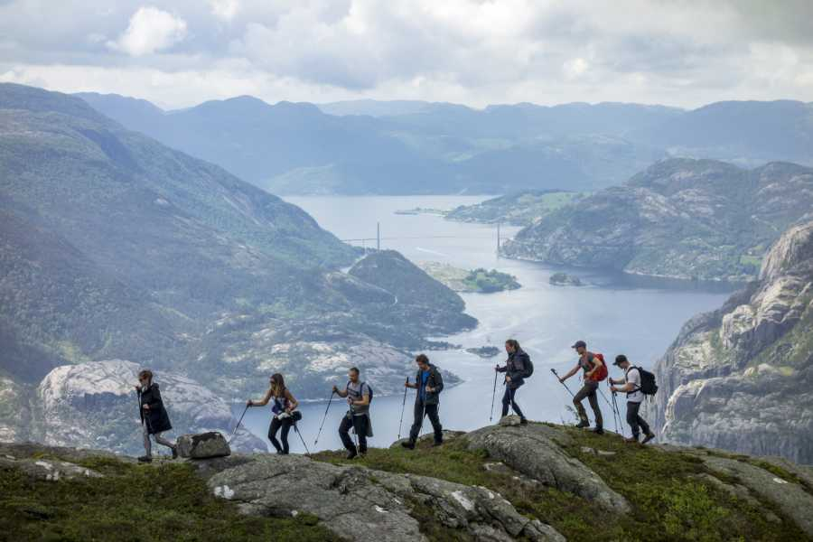 Outdoorlife Norway AS Preikestolen hike - off the beaten track