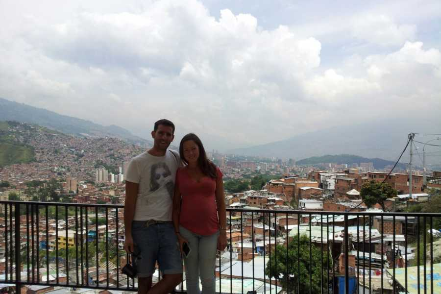 Medellin City Services BoGo Tour: 	BOOK SLUMS TOUR AND GET FREE SIGHTSEEING TOUR