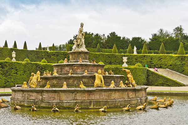 *OTAs* Royal Gardens of Versailles Tour from Paris