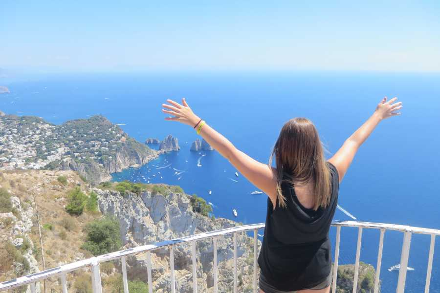 Italy on a Budget tours Amalfi Coast Tour from Rome for 18 -39's