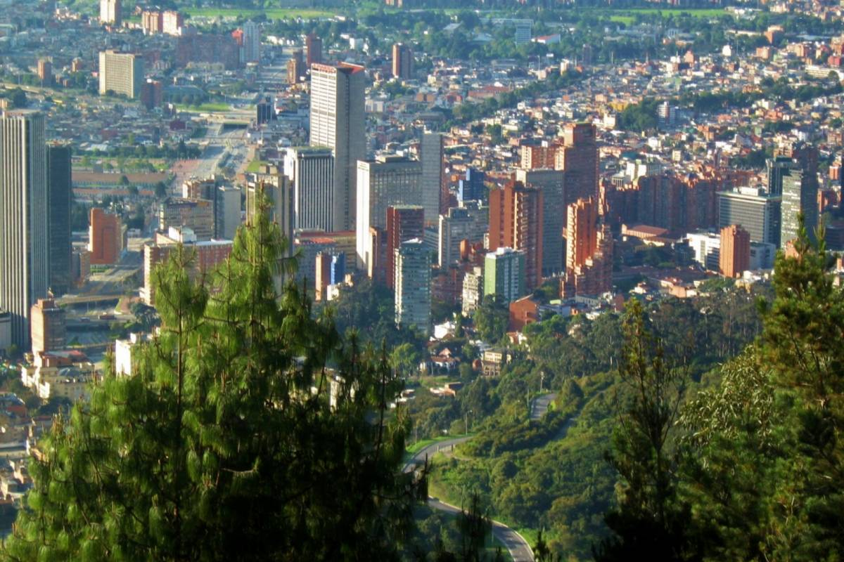 Bogota Henry Tours 08. BOGOTA  FULL DAY PRIVATE CITY TOUR