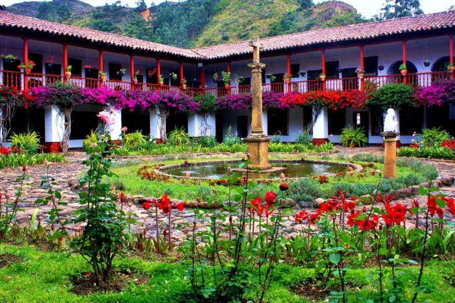 Bogota Henry Tours RAQUIRA, TOUR PRIVADO 11 HORAS, 1-4 PERSONAS