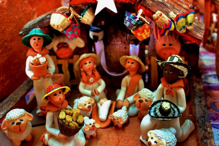 Bogota Henry Tours 36. RÁQUIRA CRAFTS 11 HOURS PRIVATE TOUR