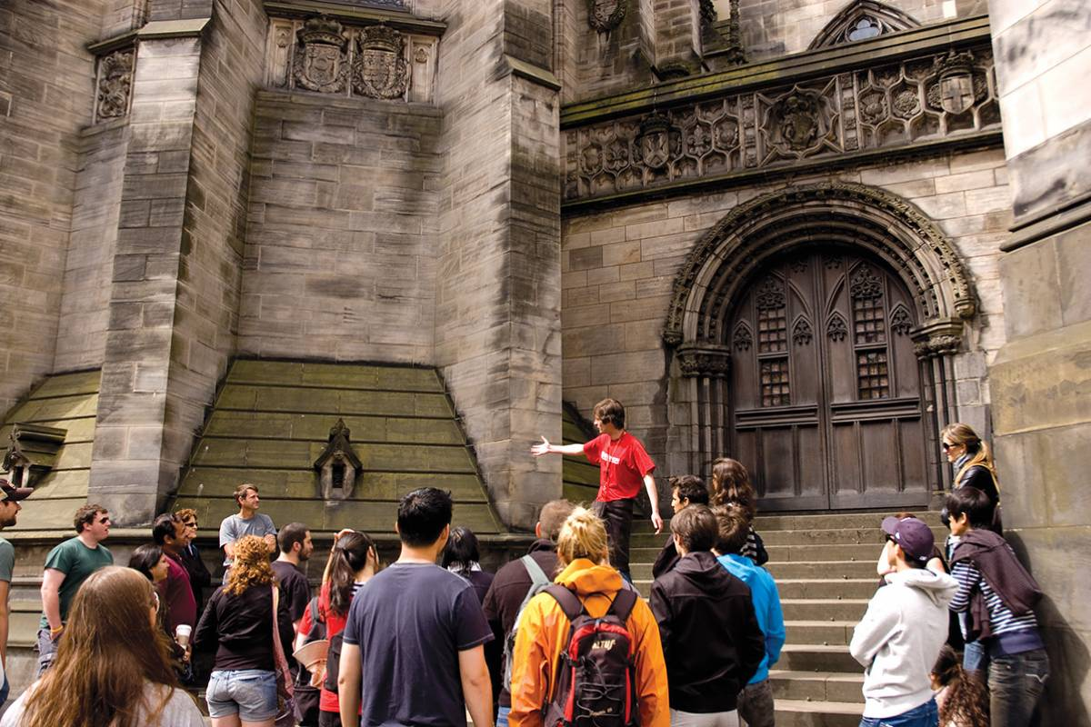 SANDEMANs NEW Edinburgh Tours FREE Tour of Edinburgh