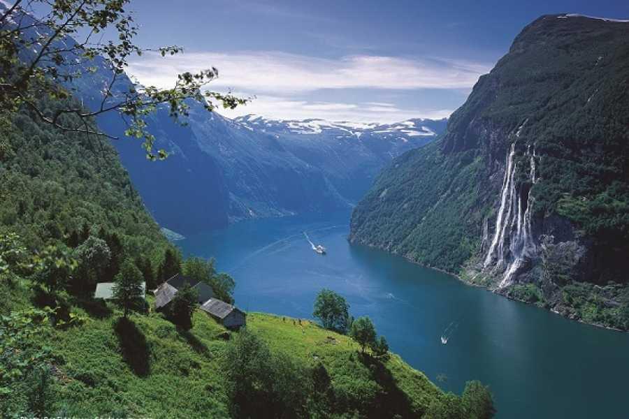 FRAM One way trip UNESCO Geirangerfjord - Trollstigen - Åndalsnes