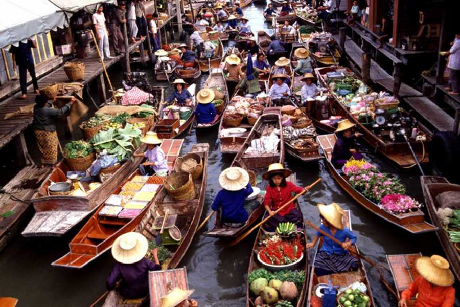 AMICI MIEI PHUKET TRAVEL AGENCY TRAIN MARKET AND AMPHAWA FLOATING MARKET AM034