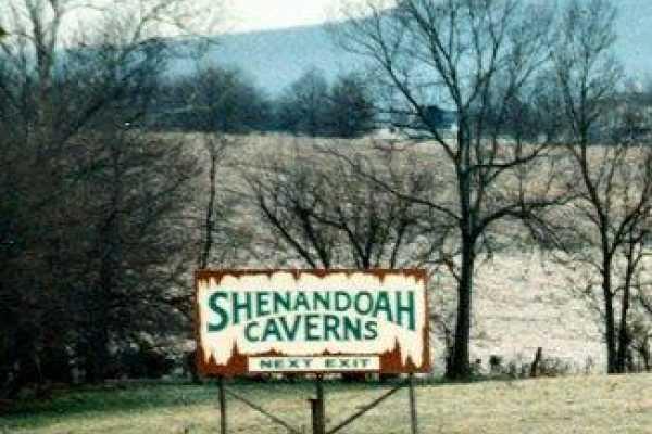 2-Day Washington DC, Shenandoah Cavern Tour from New York/New Jersey