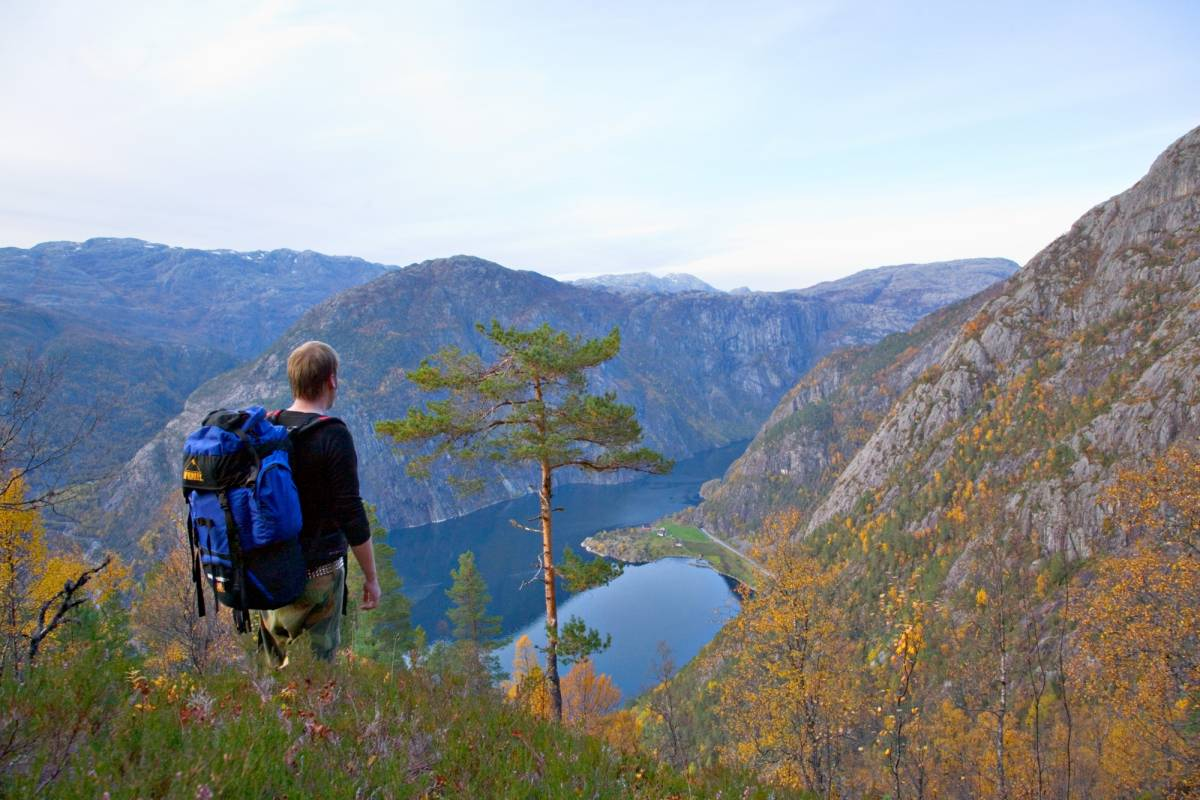 Åkrafjorden Oppleving AS Hike to the Top of Langfoss Waterfall – Guided Day Hike