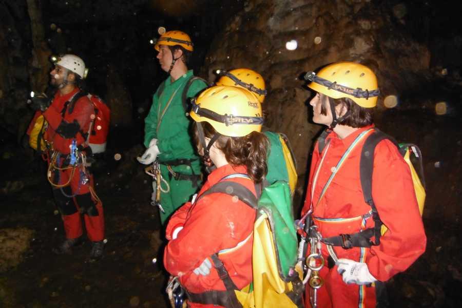 TURURAC. Turismo Activo y de Aventura SPELEOLOGY COVA DEL Bolumini