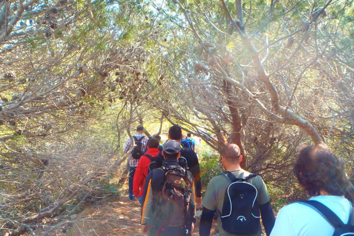 TURURAC. Turismo Activo y de Aventura SENDERISMO RECORRE PARAJES ESCONDIDOS