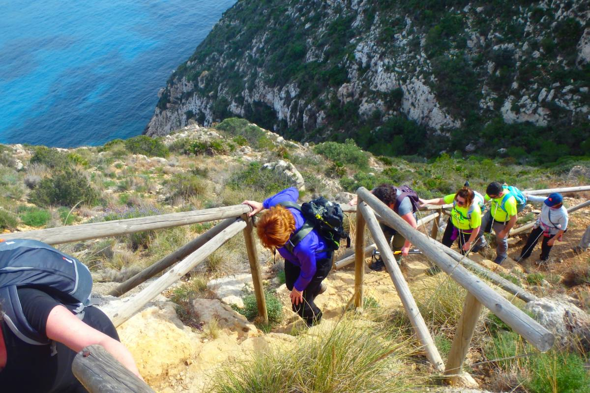 TURURAC. Turismo Activo y de Aventura HIDDEN PLACES WALKING TRAILS