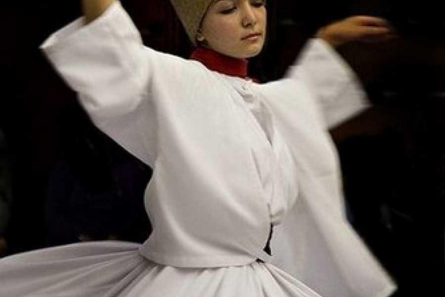 BarefootPlus Travel Derviches Danzantes en Avanos, Turquia