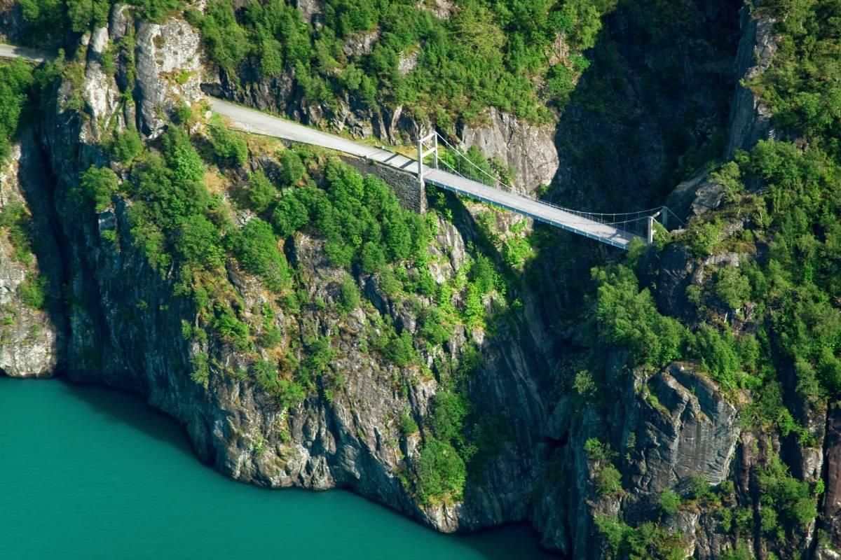Åkrafjorden Oppleving AS Fahrt entlang des Åkrafjordes
