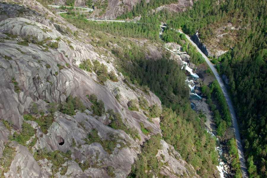Åkrafjorden Oppleving AS Tur langs Åkrafjorden