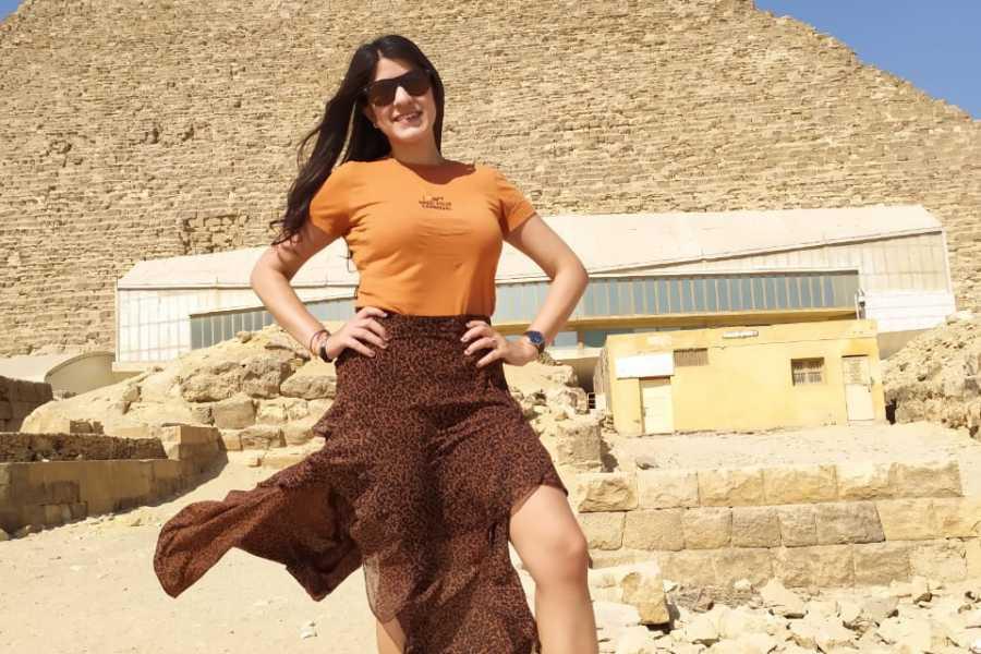 EMO TOURS EGYPT カイロにあるキャメルライドとエジプト考古学博物館のギザピラミッドツアー