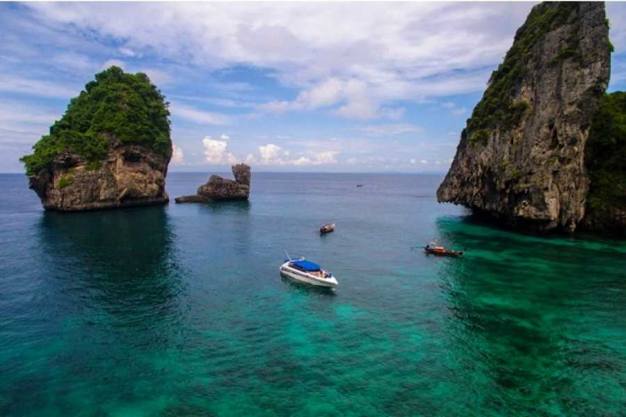 AMICI MIEI PHUKET TRAVEL AGENCY 4 Island 8 Points on Phi Phi Island by Speed Boat (Exclusive Trips) - AM167